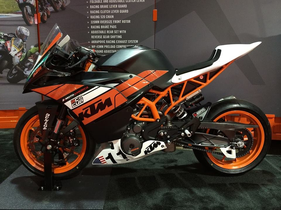 RC 390 race bike