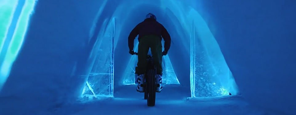 Video: Trials bike vs. igloo
