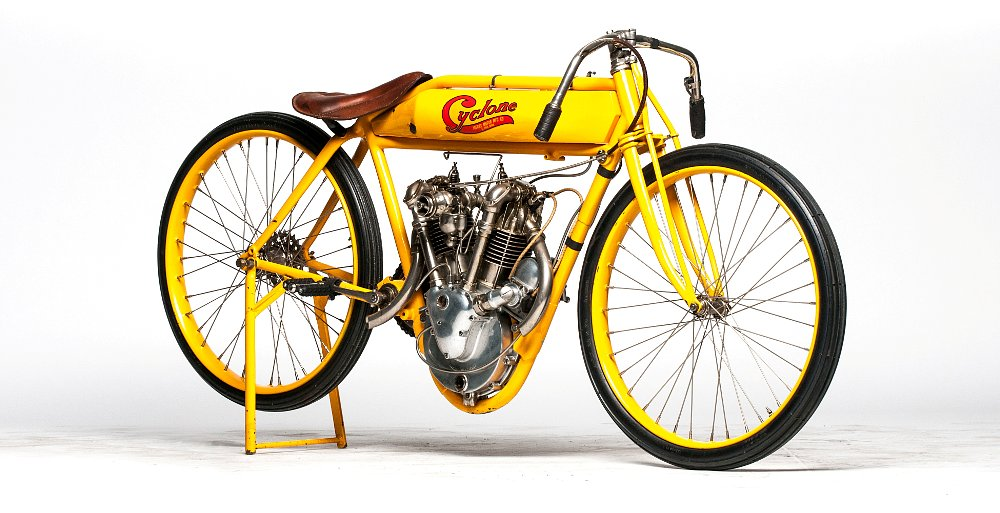Cyclone board track racer