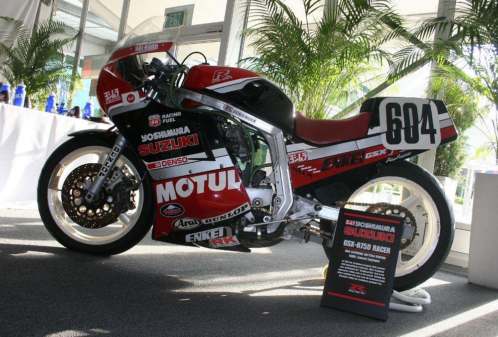 1986 Suzuki GSX-R race bike