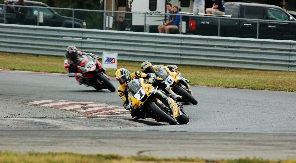 MotoAmerica superbike race