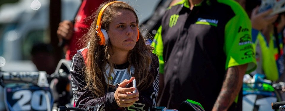 Hannah's decision: Being an MX pro means racing against the boys