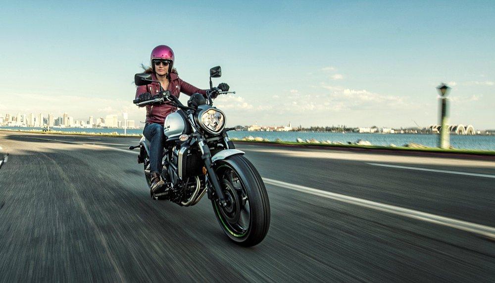 Kawasaki Vulcan S and woman rider