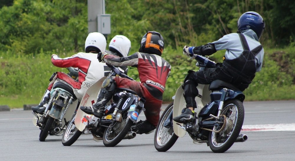 Honda Cub racing in Japan