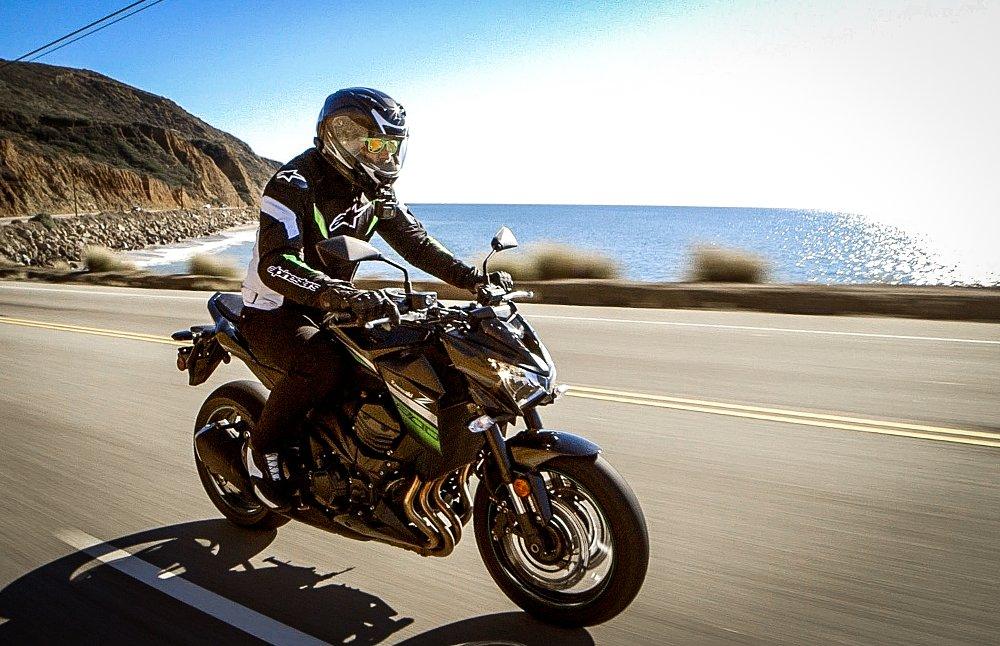 Kawasaki Z800 Spurgeon Dunbar Riding