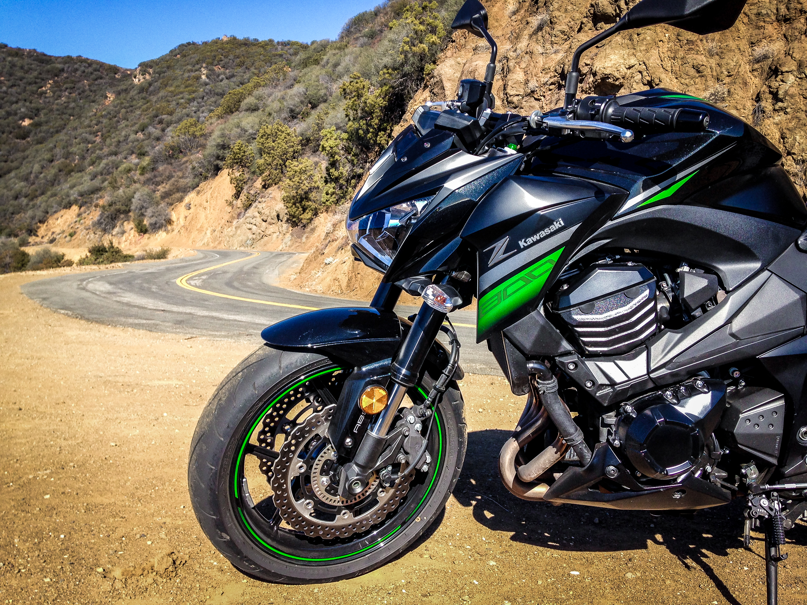2016 Kawasaki Z800 Review - RevZilla