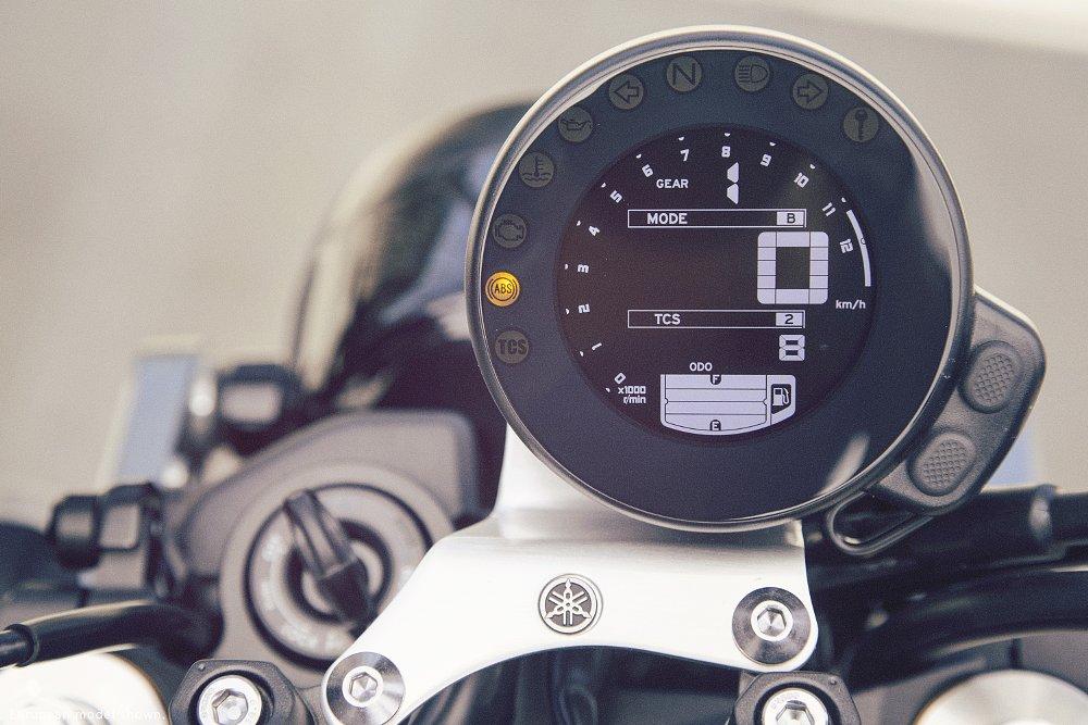 Yamaha XSR900 gauge