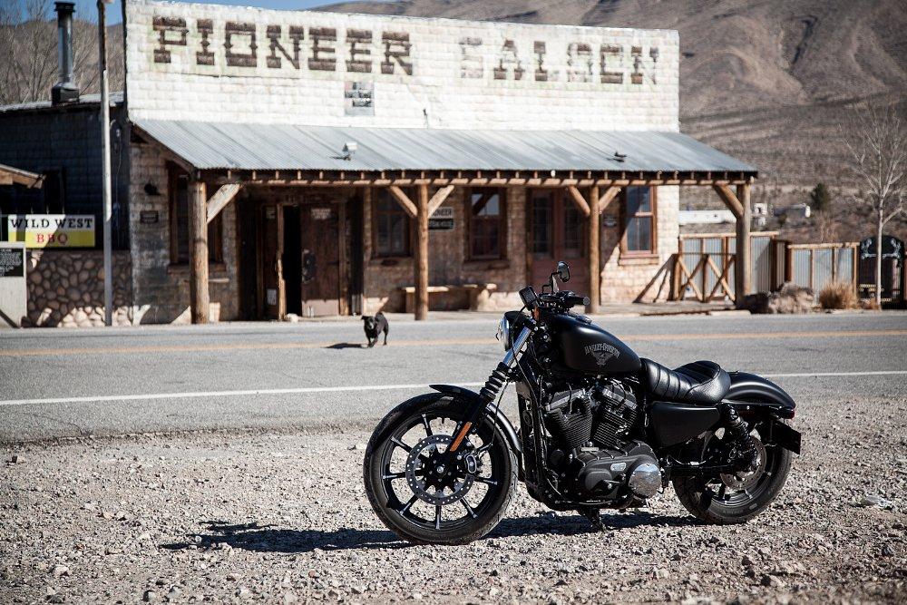 2016 Harley-Davidson Sportster Iron 883 review - RevZilla