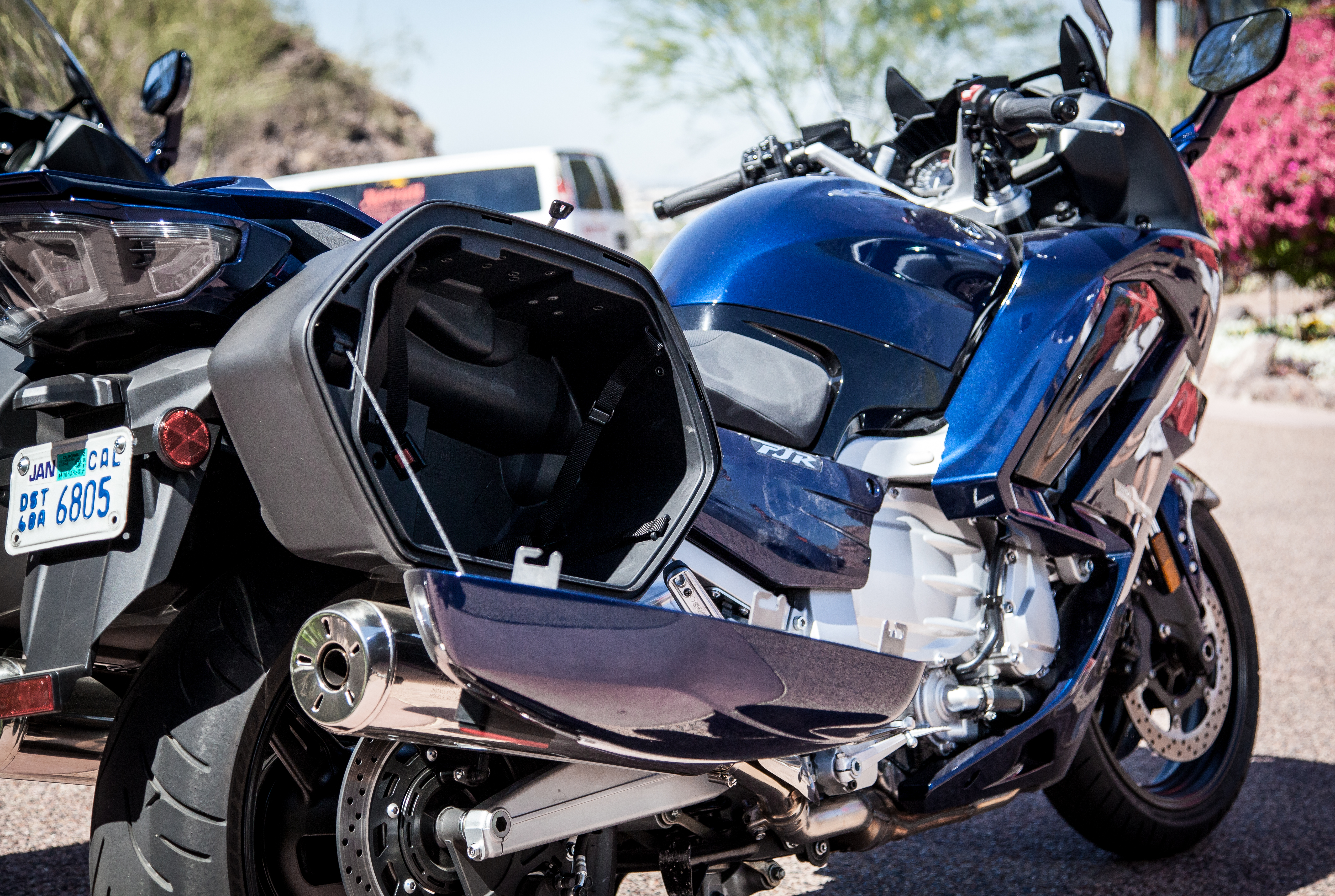 2016 Yamaha FJR1300 first ride review - RevZilla