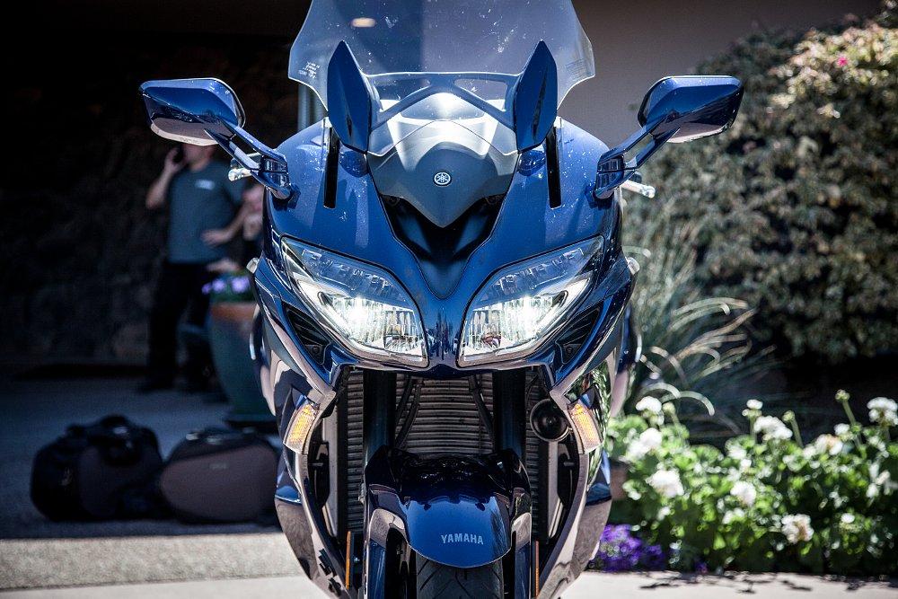 Yamaha FJR 1300 LED headlights
