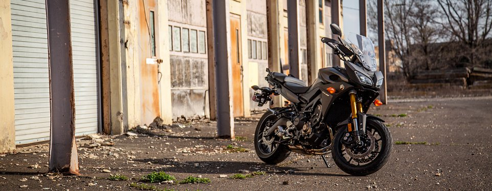 The FJ-09: Yamaha's other sport-touring bike - RevZilla