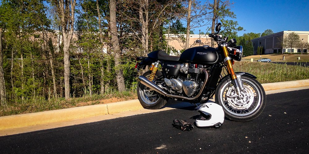 2016 Triumph Thruxton R: Speed dating in Atlanta