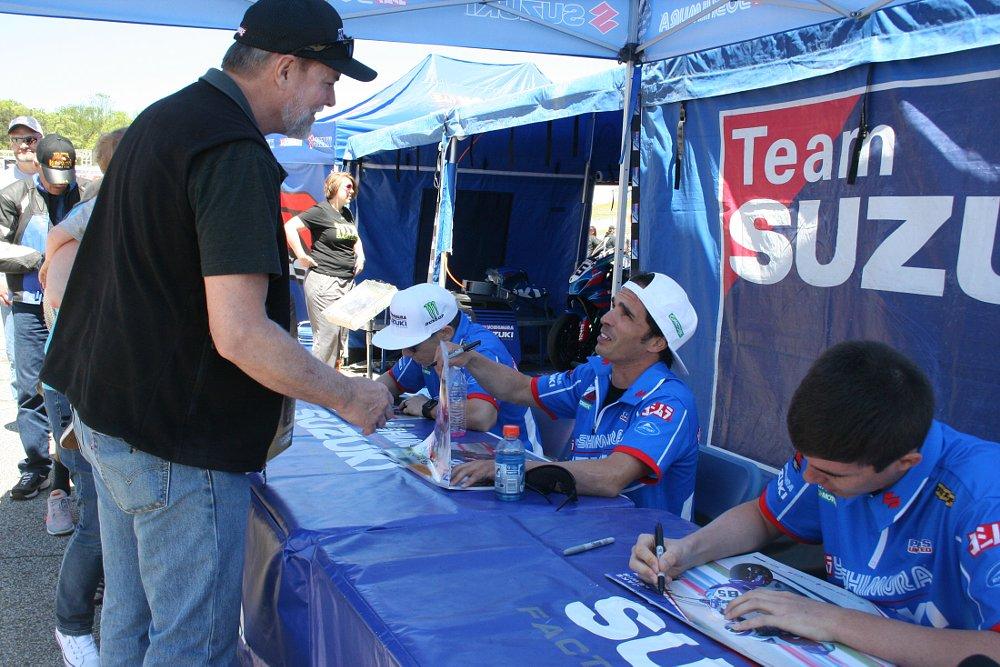 Team Yoshimura Suzuki riders