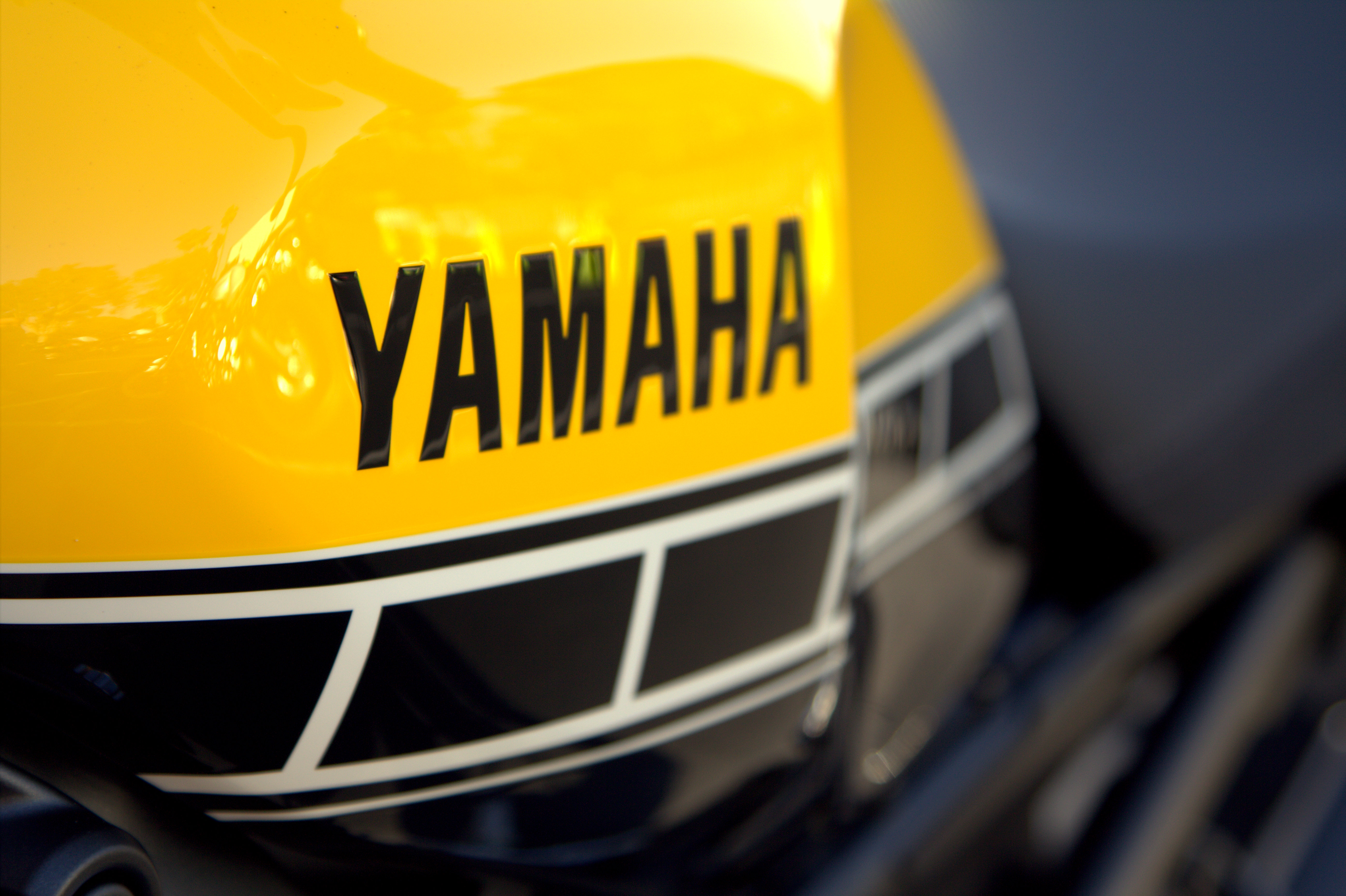 2016 Yamaha XSR900 first ride review - RevZilla