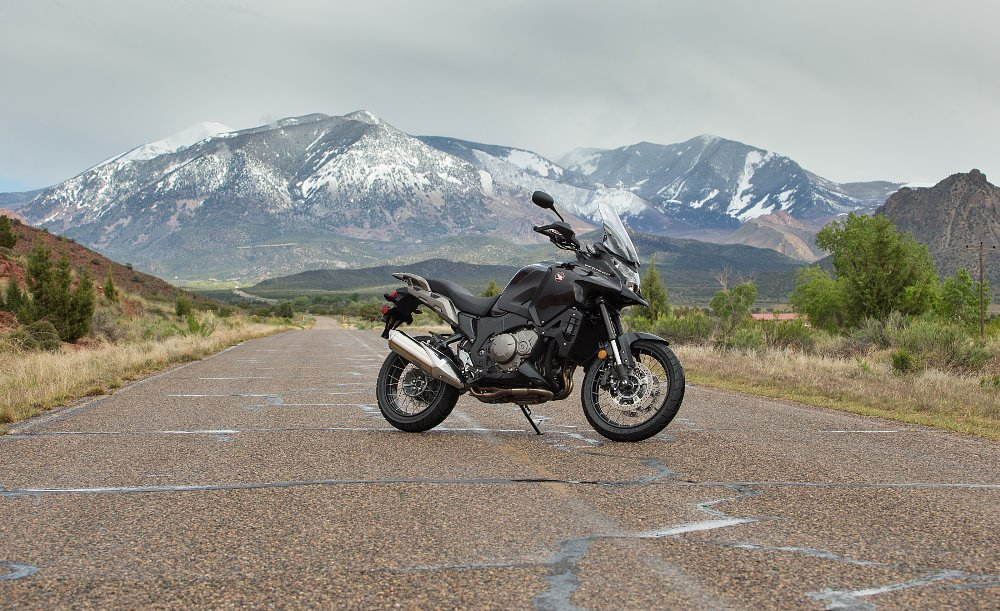 A quick ride on Honda's other adventure bike: The VFR1200X Crosstourer