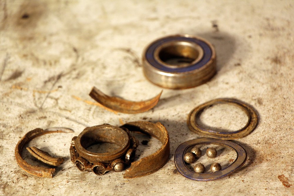 Exploded bearing