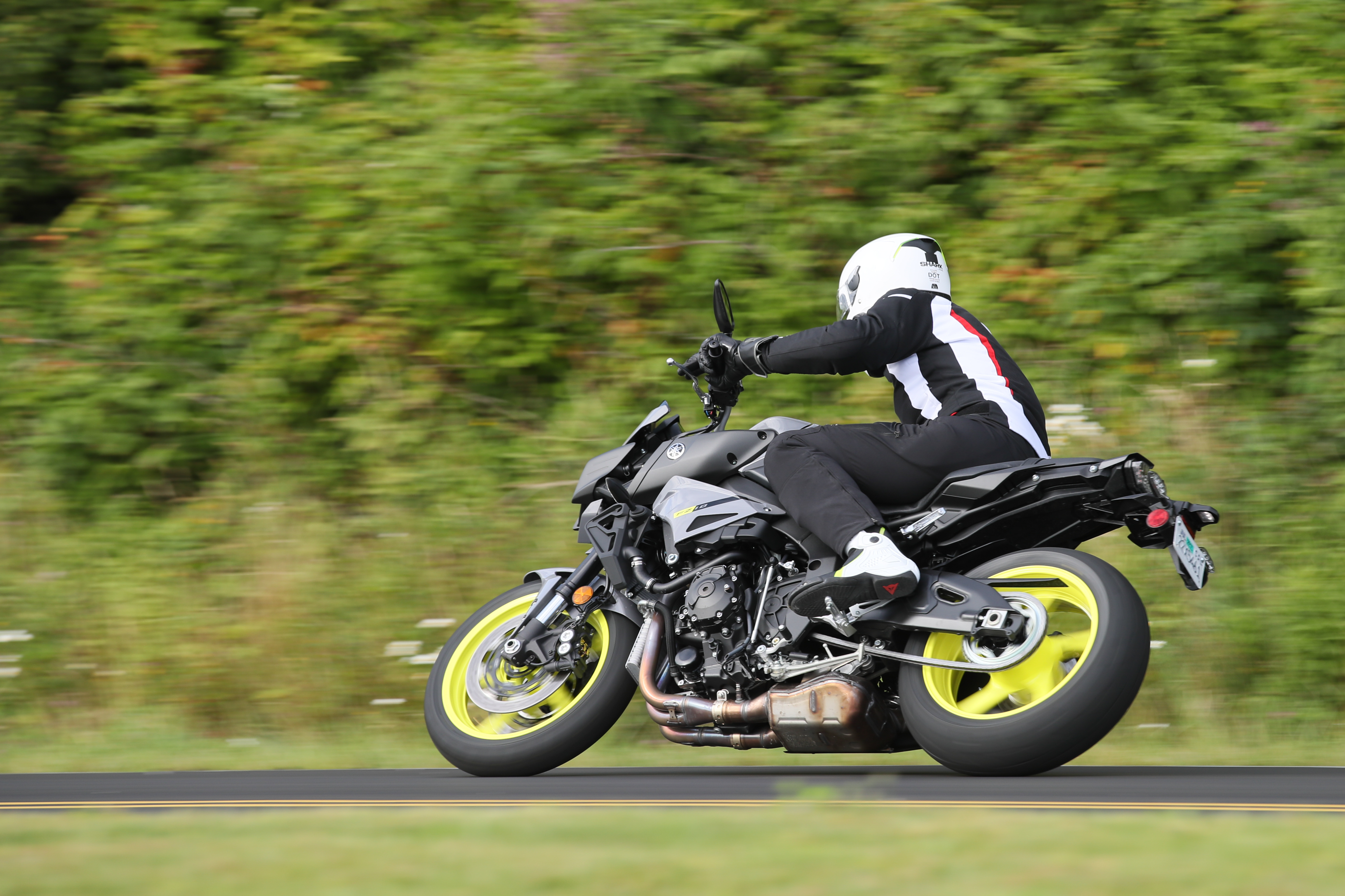 2017 Yamaha Fz 10 First Ride Review Revzilla