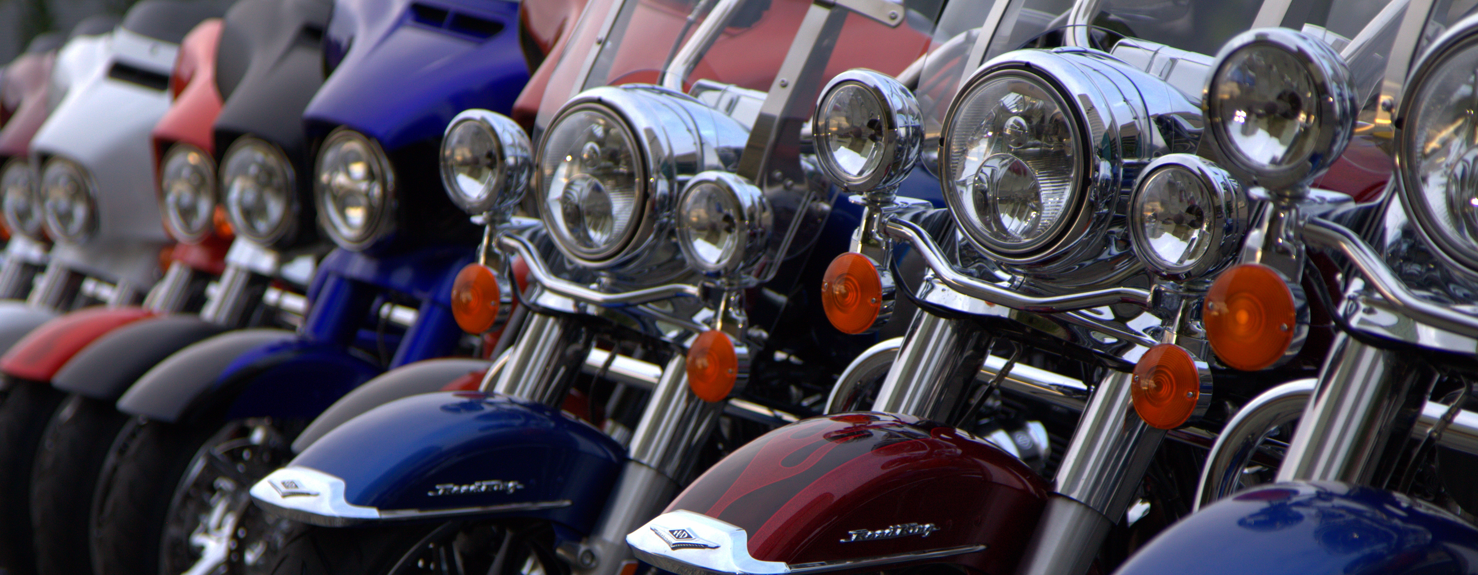 inside and astride the harley davidson milwaukee eight first ride revzilla. Black Bedroom Furniture Sets. Home Design Ideas