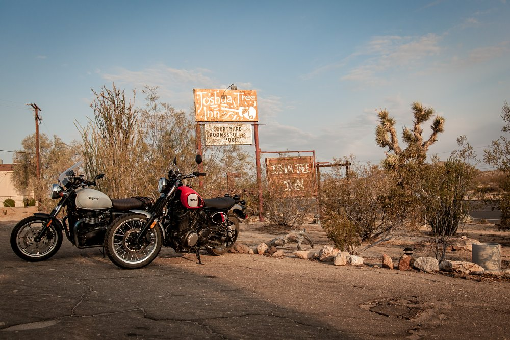Yamaha SCR950 and Triumph Bonneville