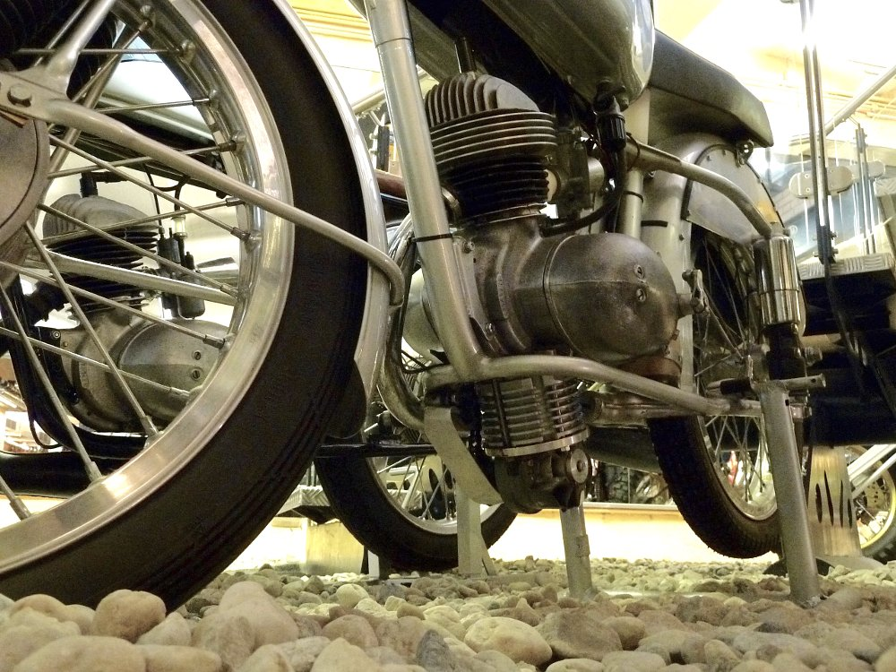 road race motorcycle dummy cylinder