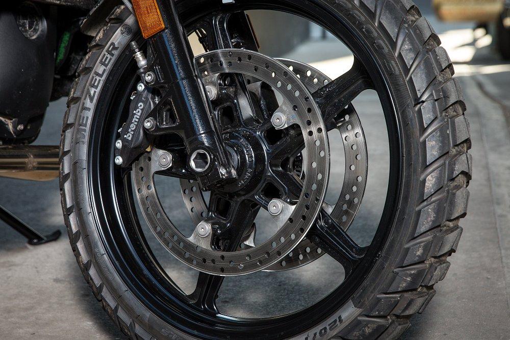 BMW R nineT Scrambler Brakes