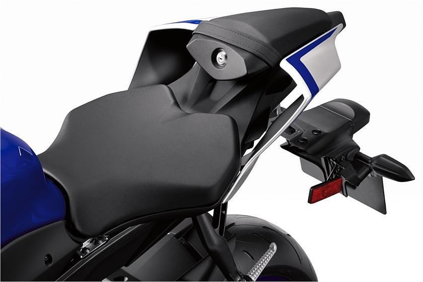 2017 Yamaha YZF-R6 tail