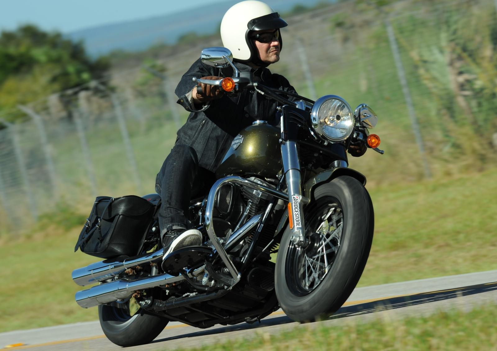 Bridgestone Battlecruise H50 Cruiser Tire First Ride Revzilla