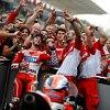 Ducati_team_selfie