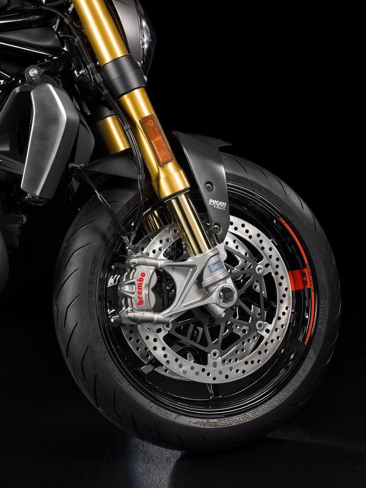 Brembo brakes on the Ducati Monster 1200S