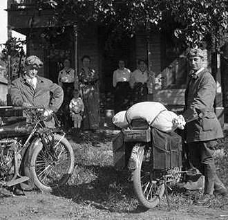 Otto Kratzer and Gene Hawes in 1914