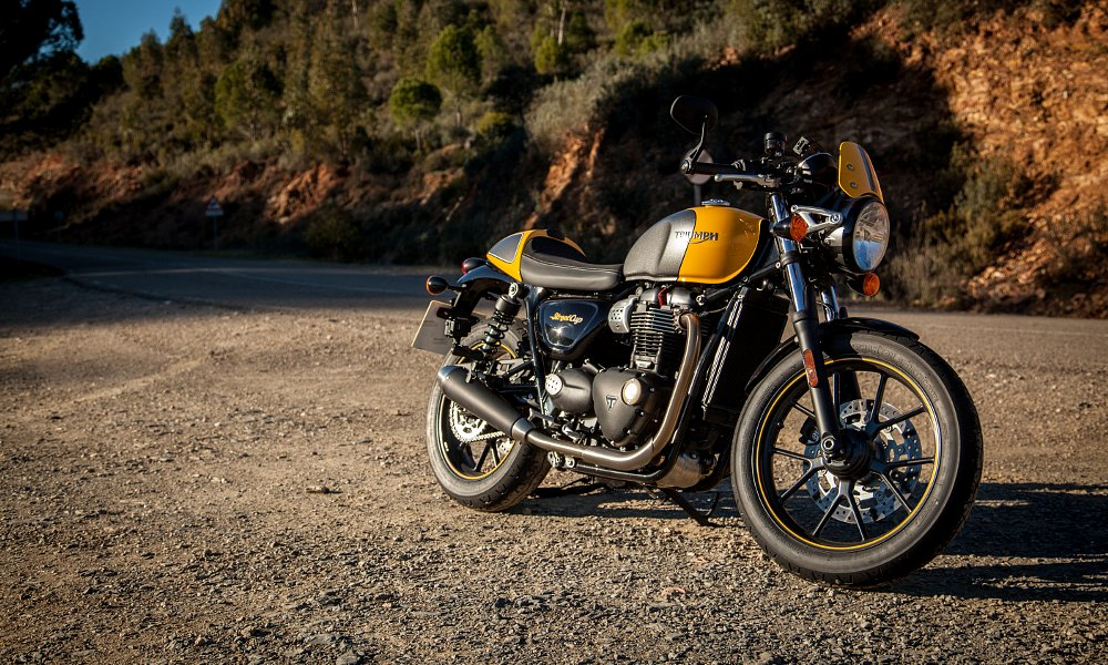 2017 Triumph Street Cup first ride review