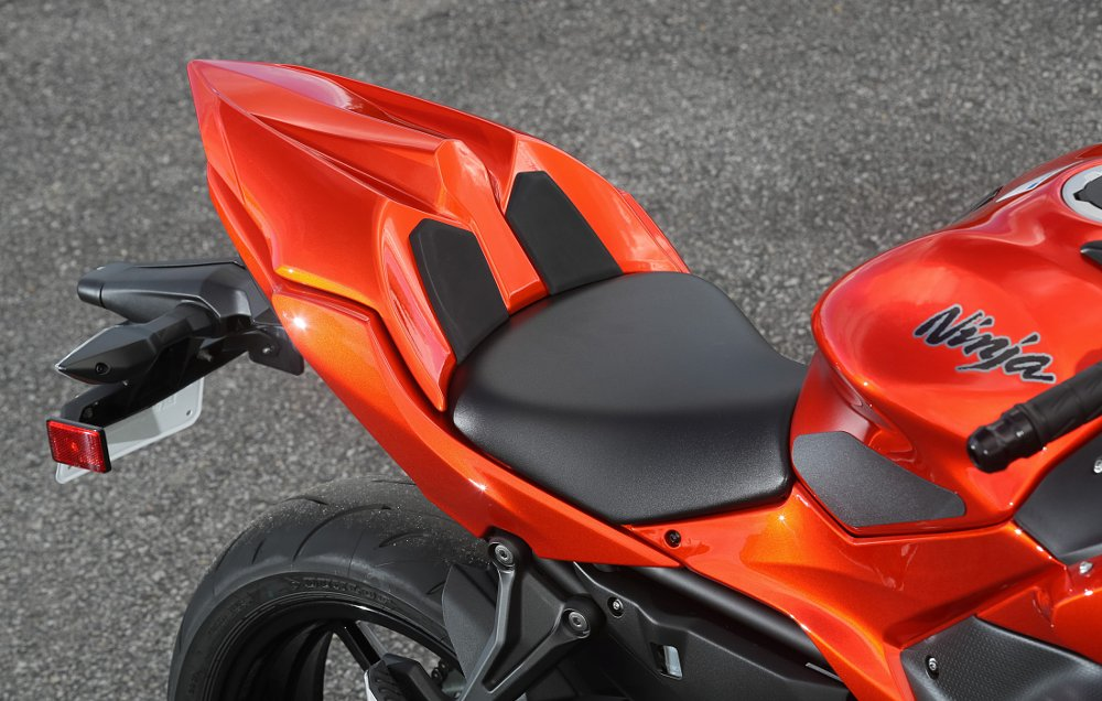 2017 Kawasaki Ninja 650 rear seat cowl