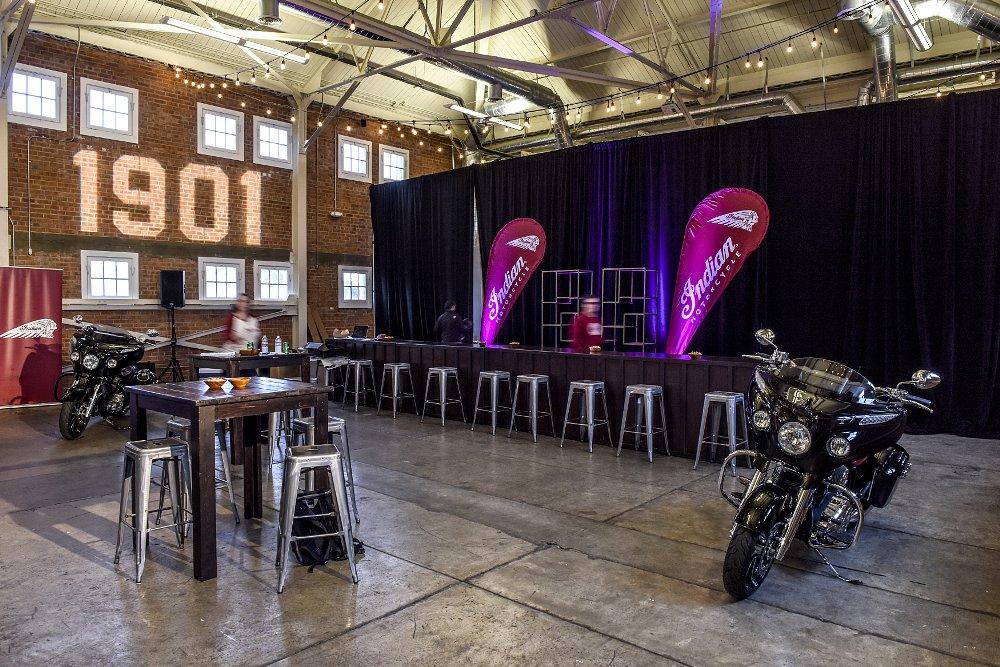 Hip warehouse bar