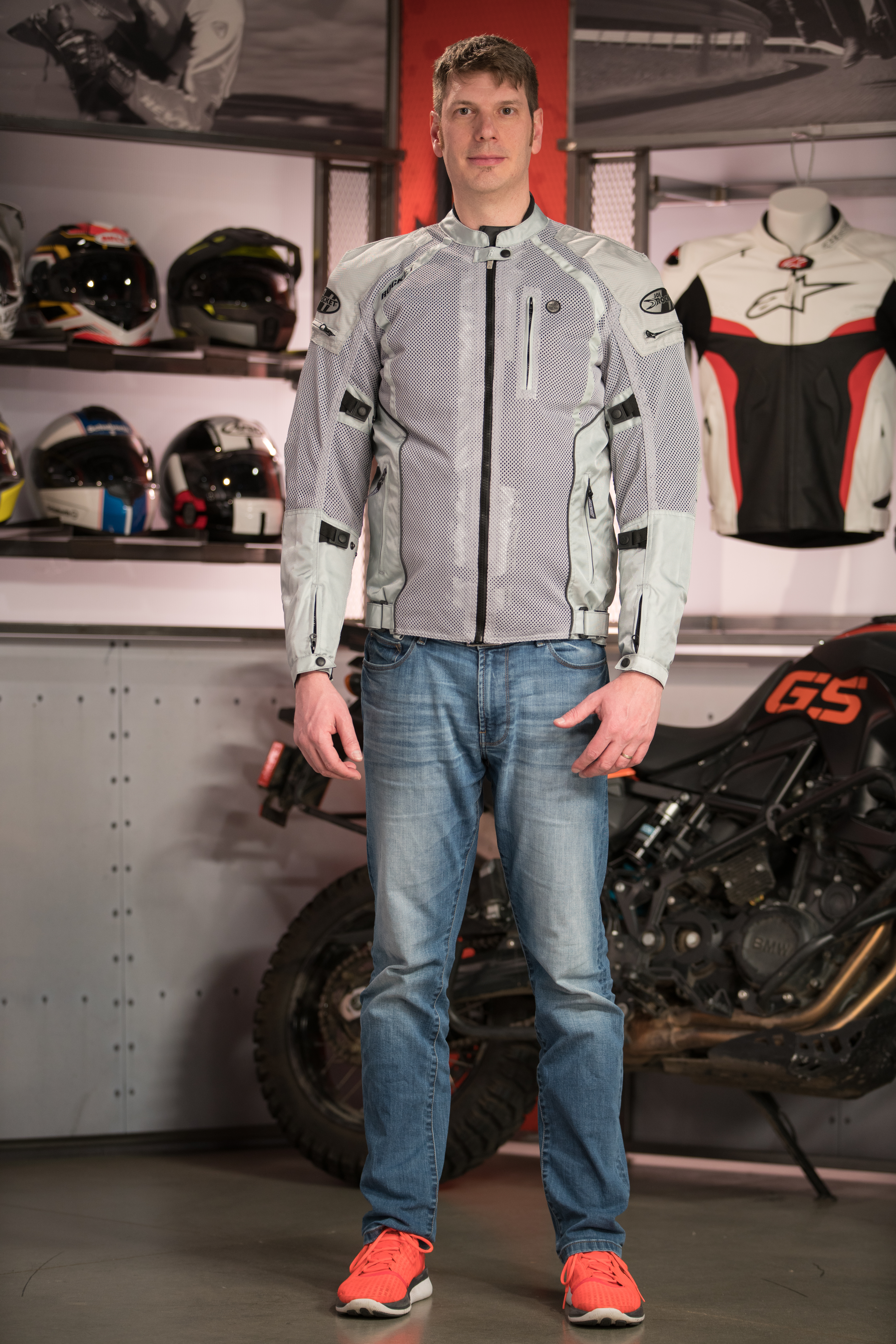 How to buy big & tall motorcycle gear - RevZilla
