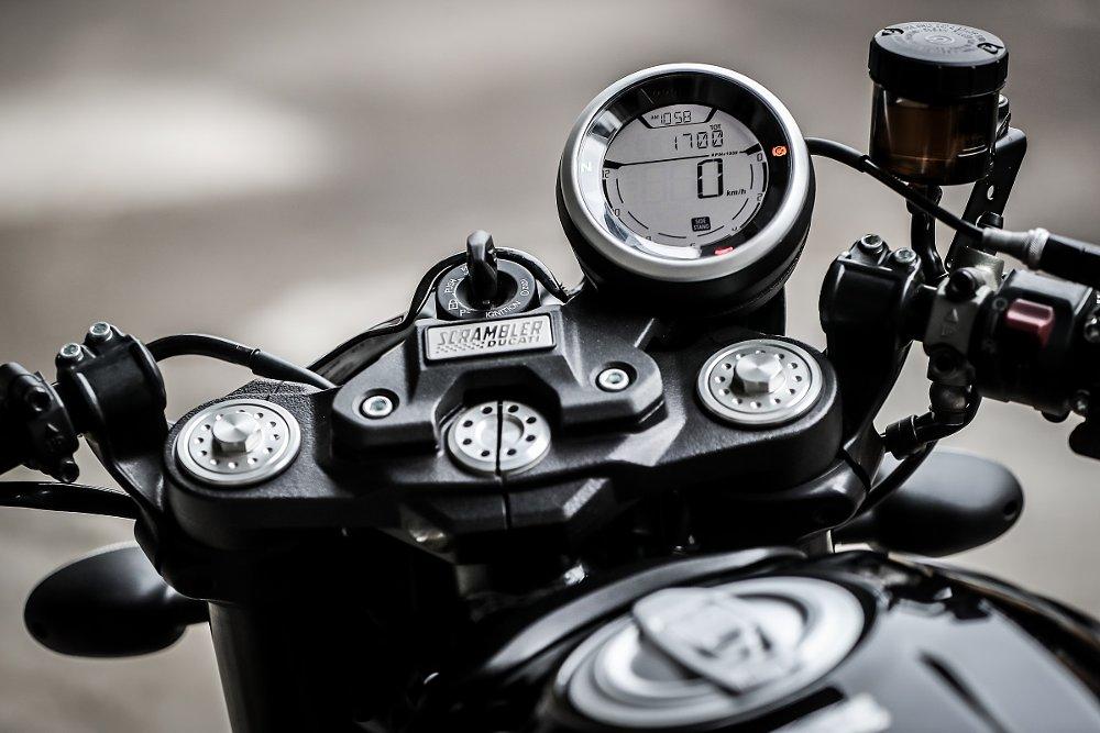 Ducati Scrambler Café Racer gauge