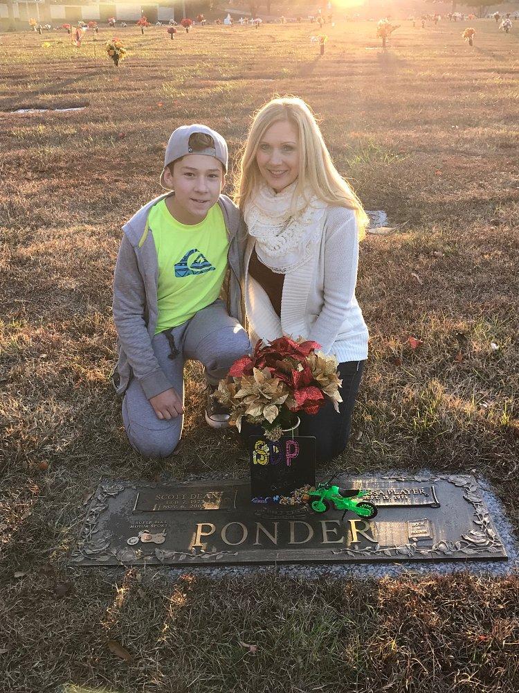 Melissa and Scotty Ponder Jr.