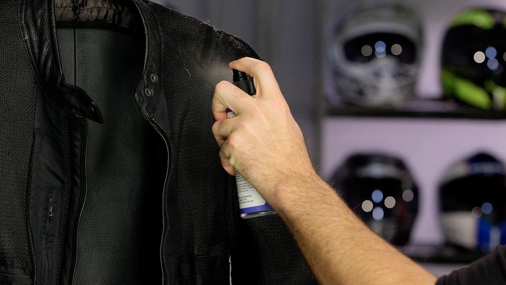 Applying De-Salter To Jacket Interior