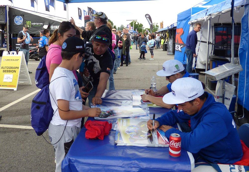 Yoshimura Suzuki autograph session