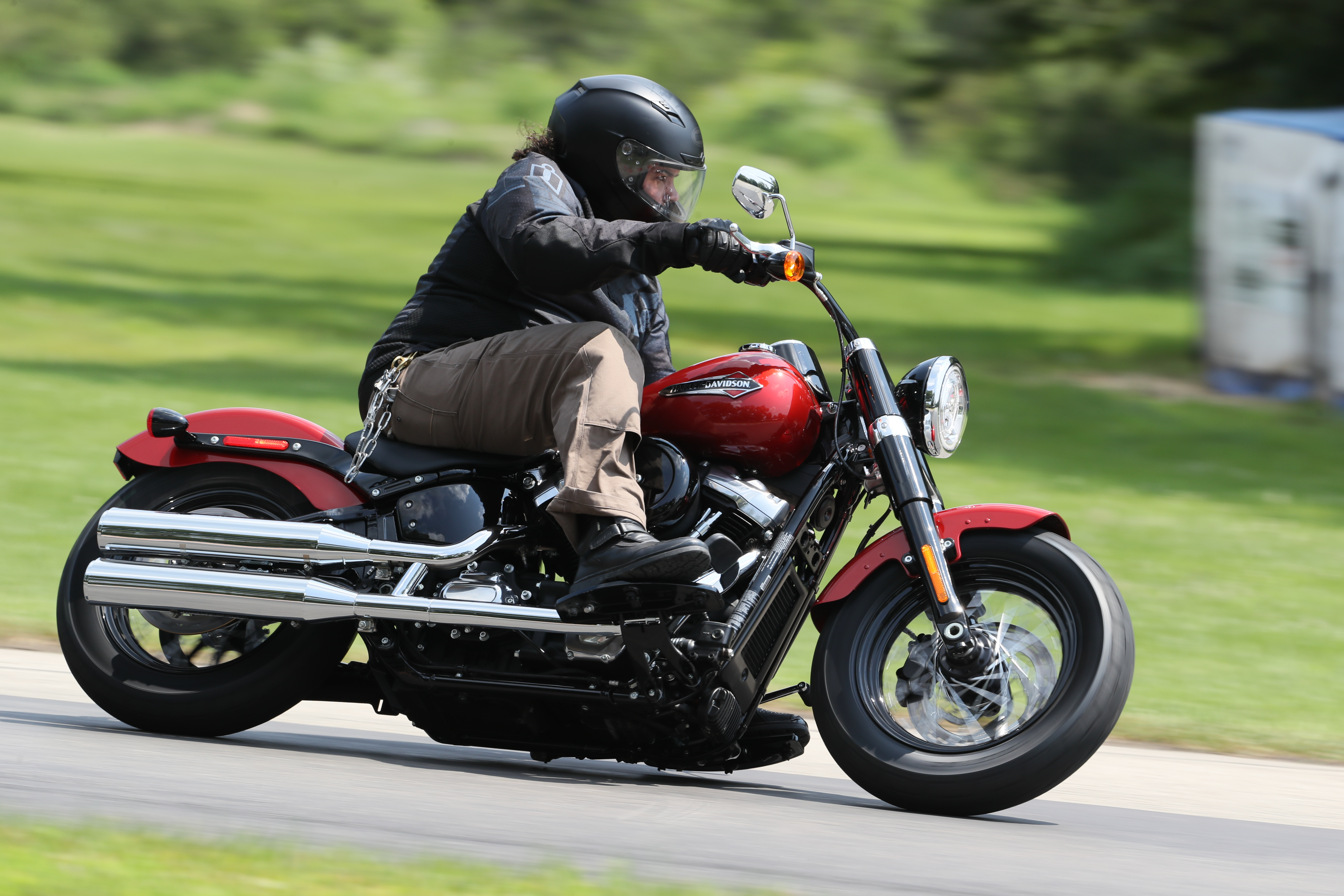 d9d51e39a 2018 Harley-Davidson Softail(s) first ride review - RevZilla