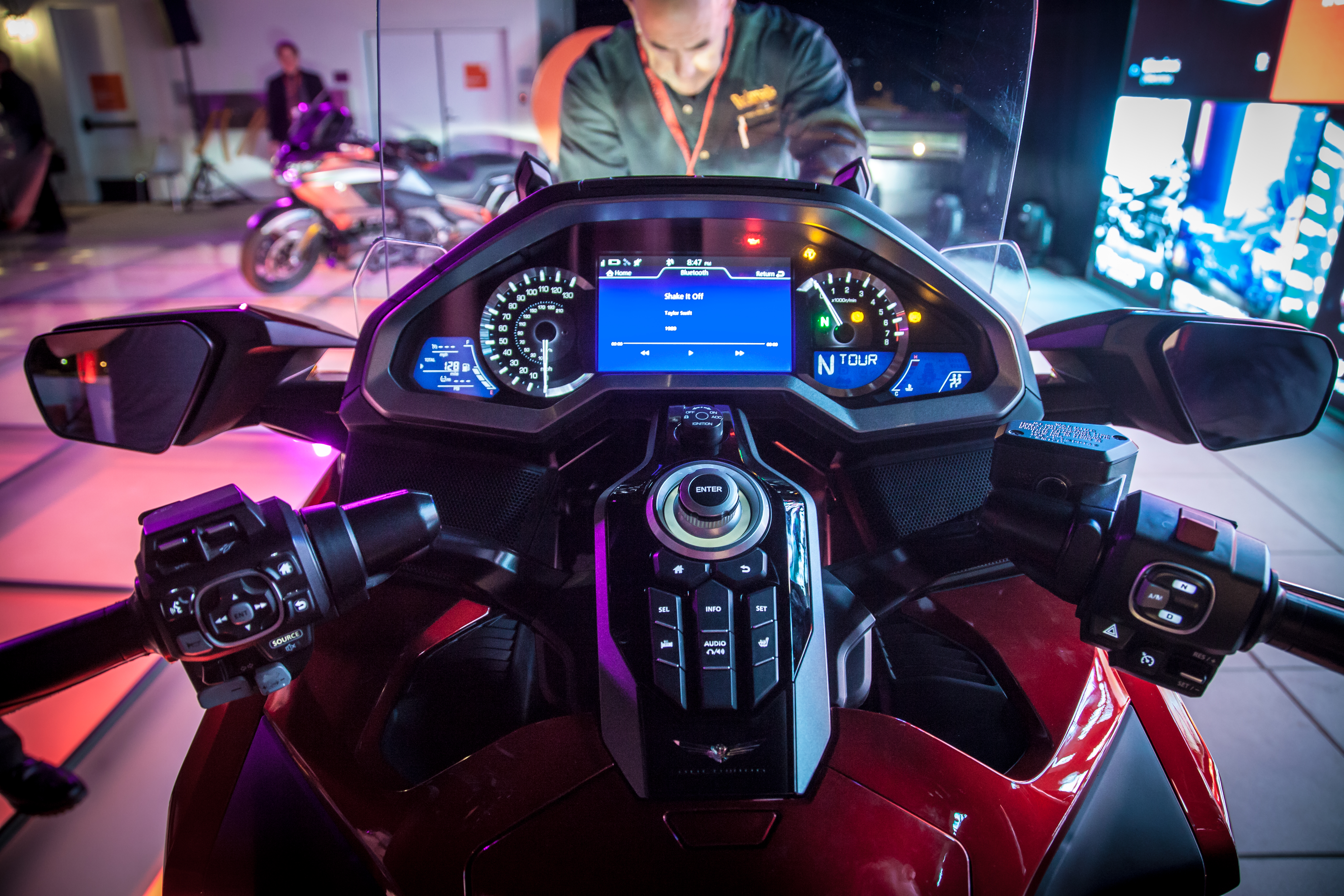2018 Honda Gold Wing First Look Discovering What Lies Beyond Revzilla Gl1800 Goldwing Seat Heat Wiring Diagram