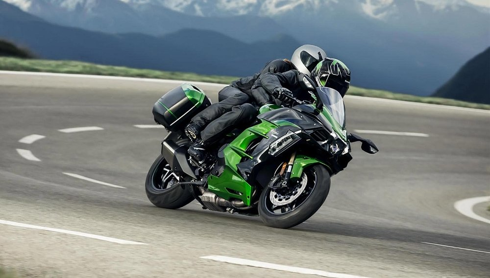 2018 Kawasaki Ninja H2 SX sport-tourer first look