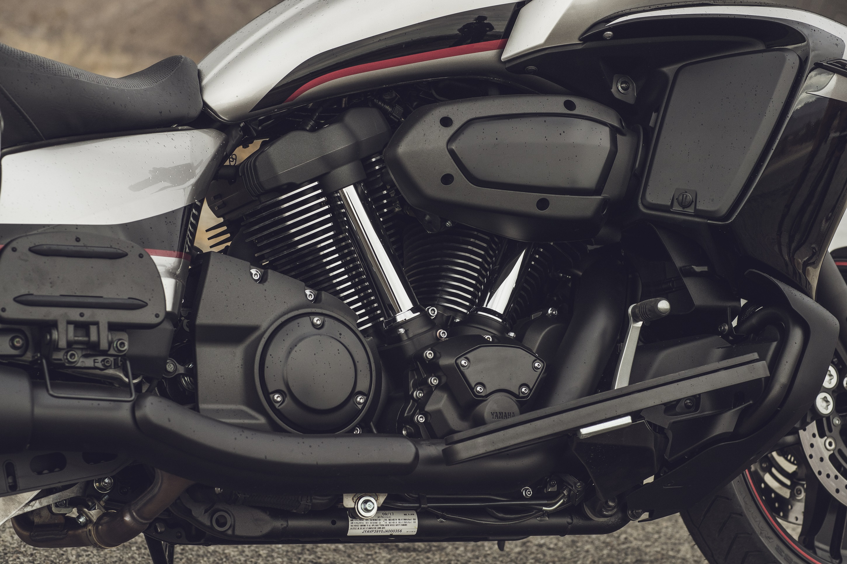 2018 Yamaha Star Eluder first ride review - RevZilla