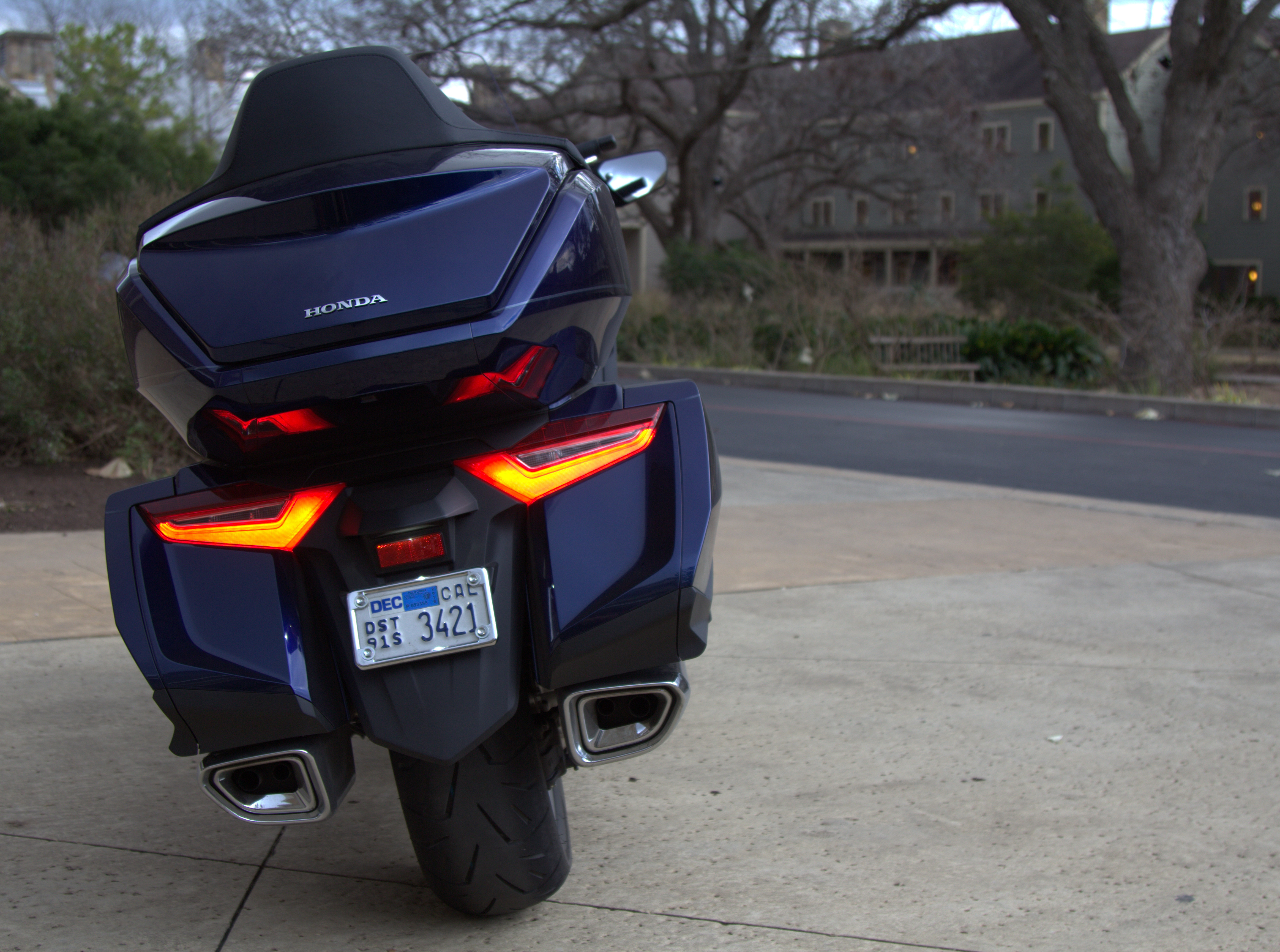 2018 honda gold wing tour first ride review revzilla fandeluxe Gallery