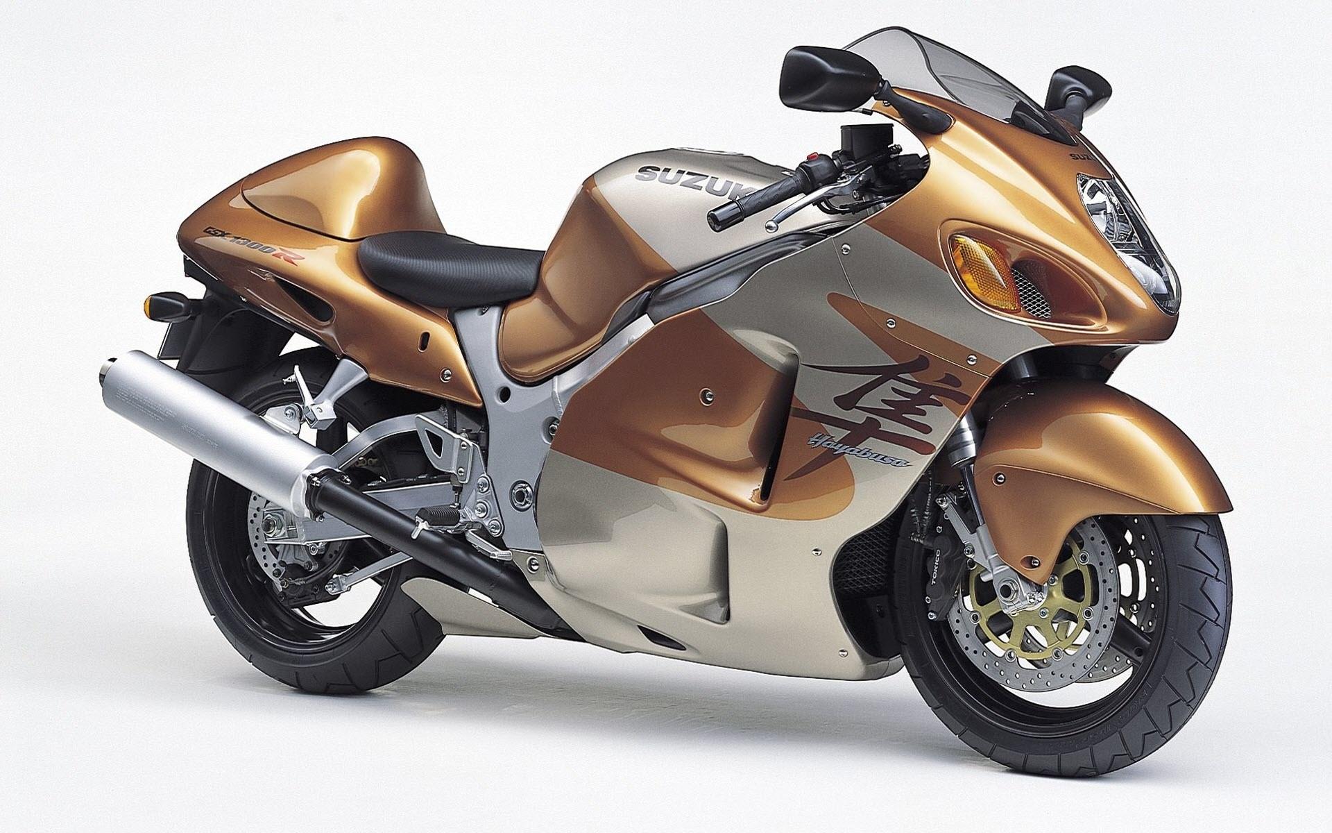 Next Gen Hayabusa Rumors Whats Suzuki Planning Revzilla