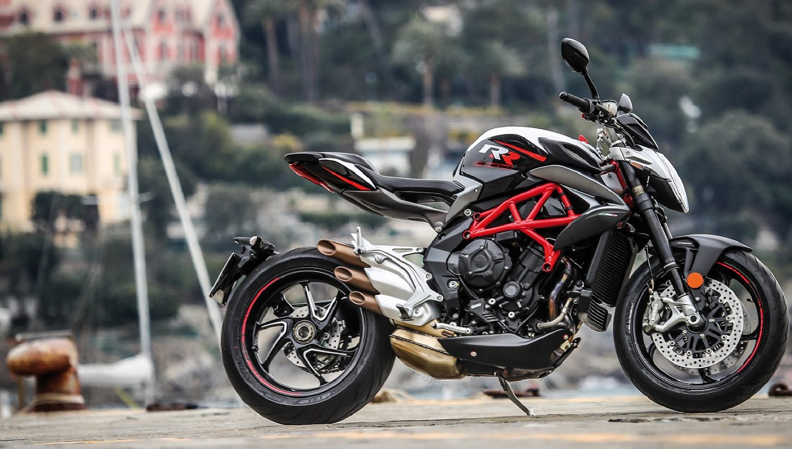 2018 mv agusta brutale 800 rr first ride review revzilla. Black Bedroom Furniture Sets. Home Design Ideas