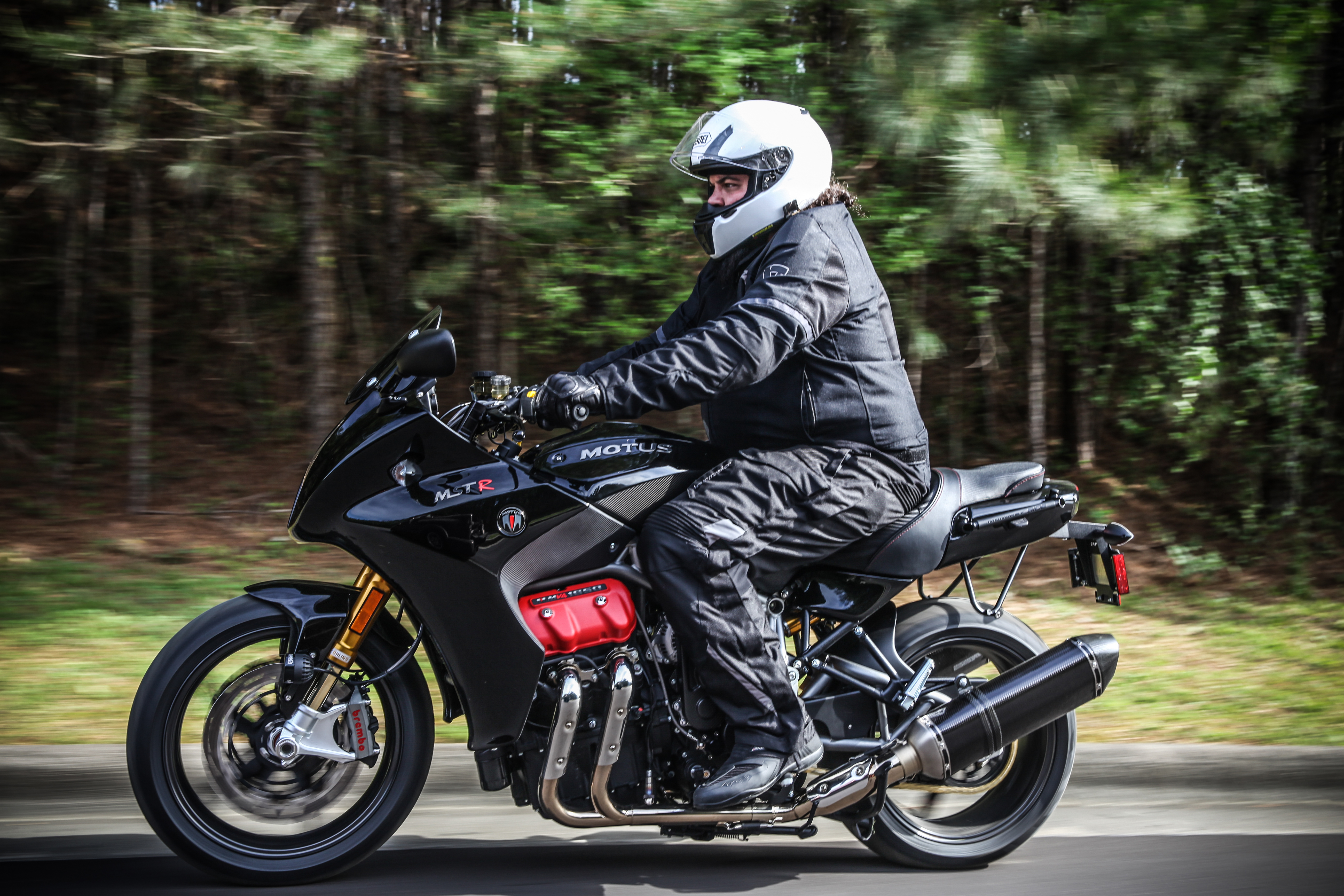 403e146a3c56 2018 Motus MST and MST-R first ride review - RevZilla