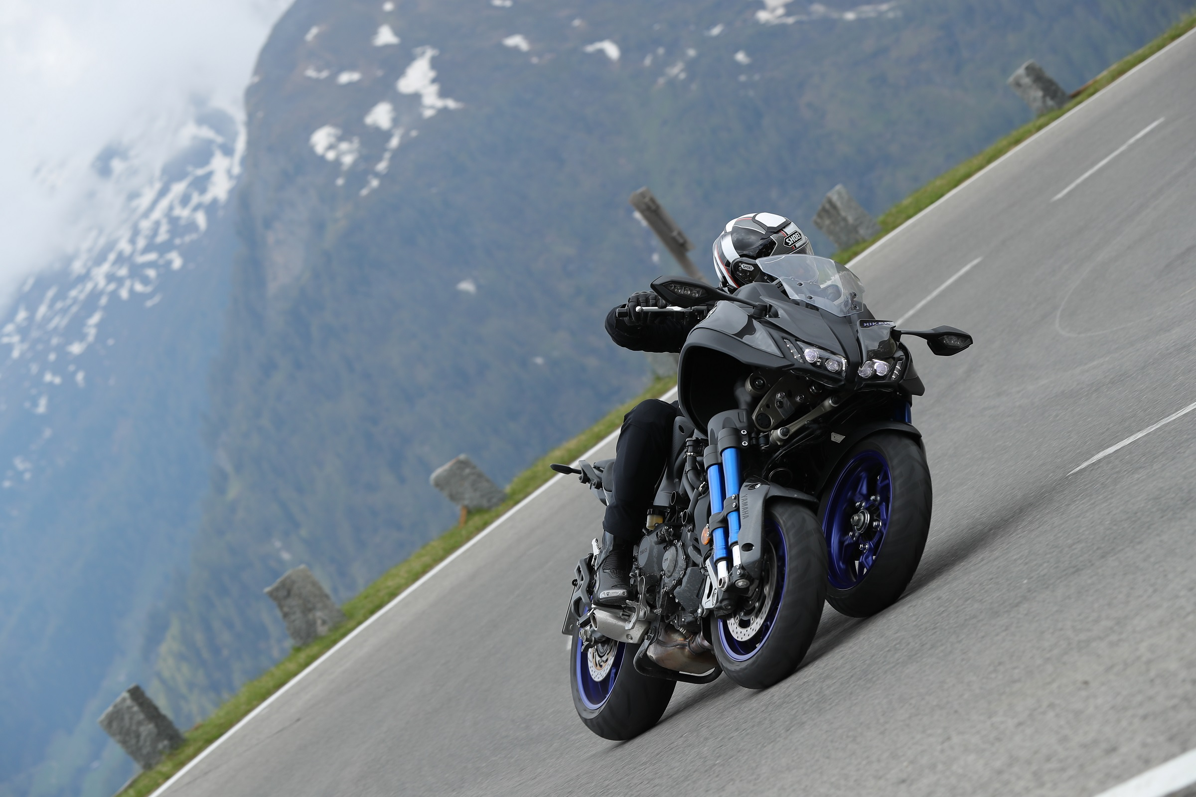 2018 Yamaha Niken First Ride Exploring The Advantages Of An Extra