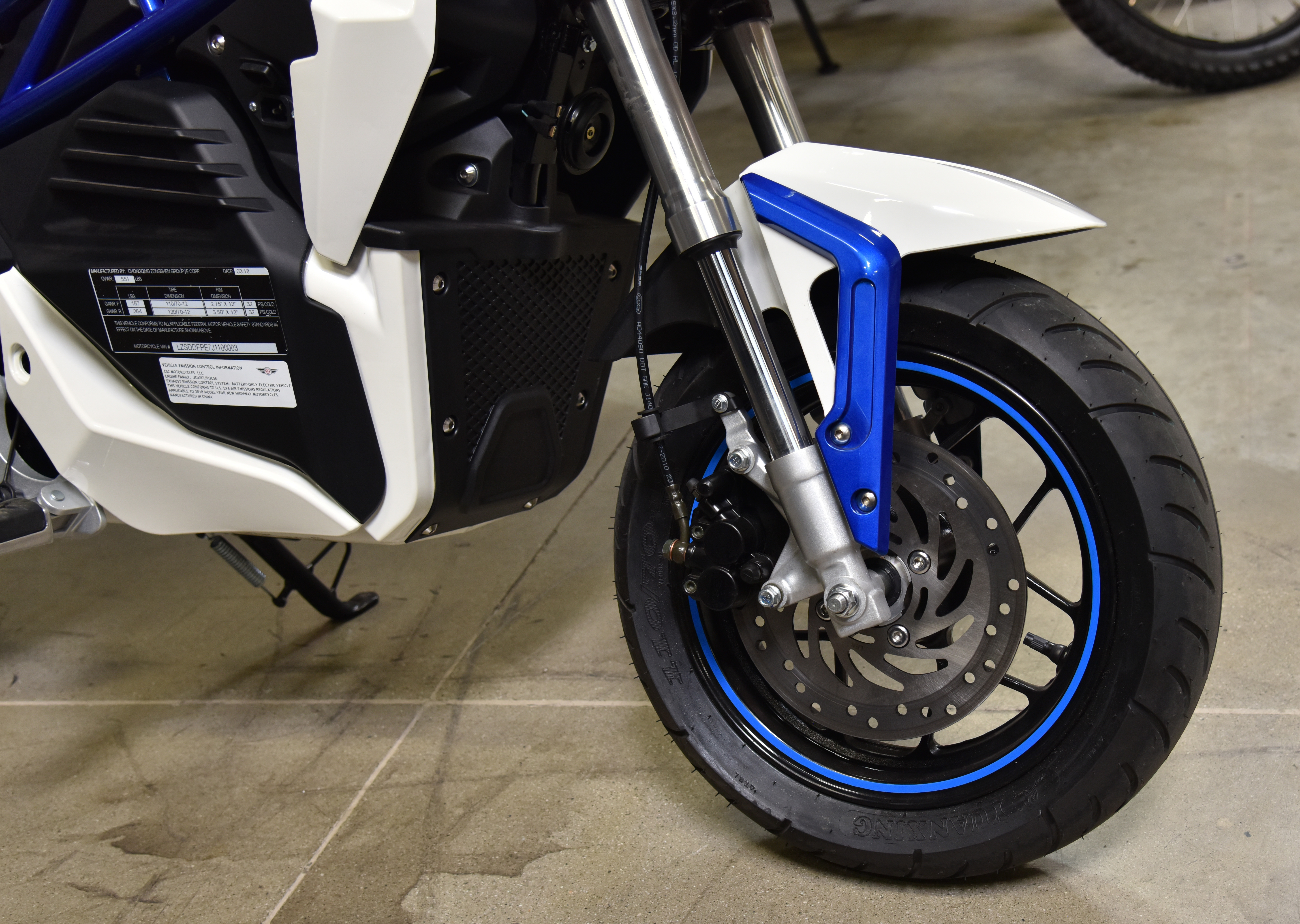 CSC introduces its first electric motorcycle, the City