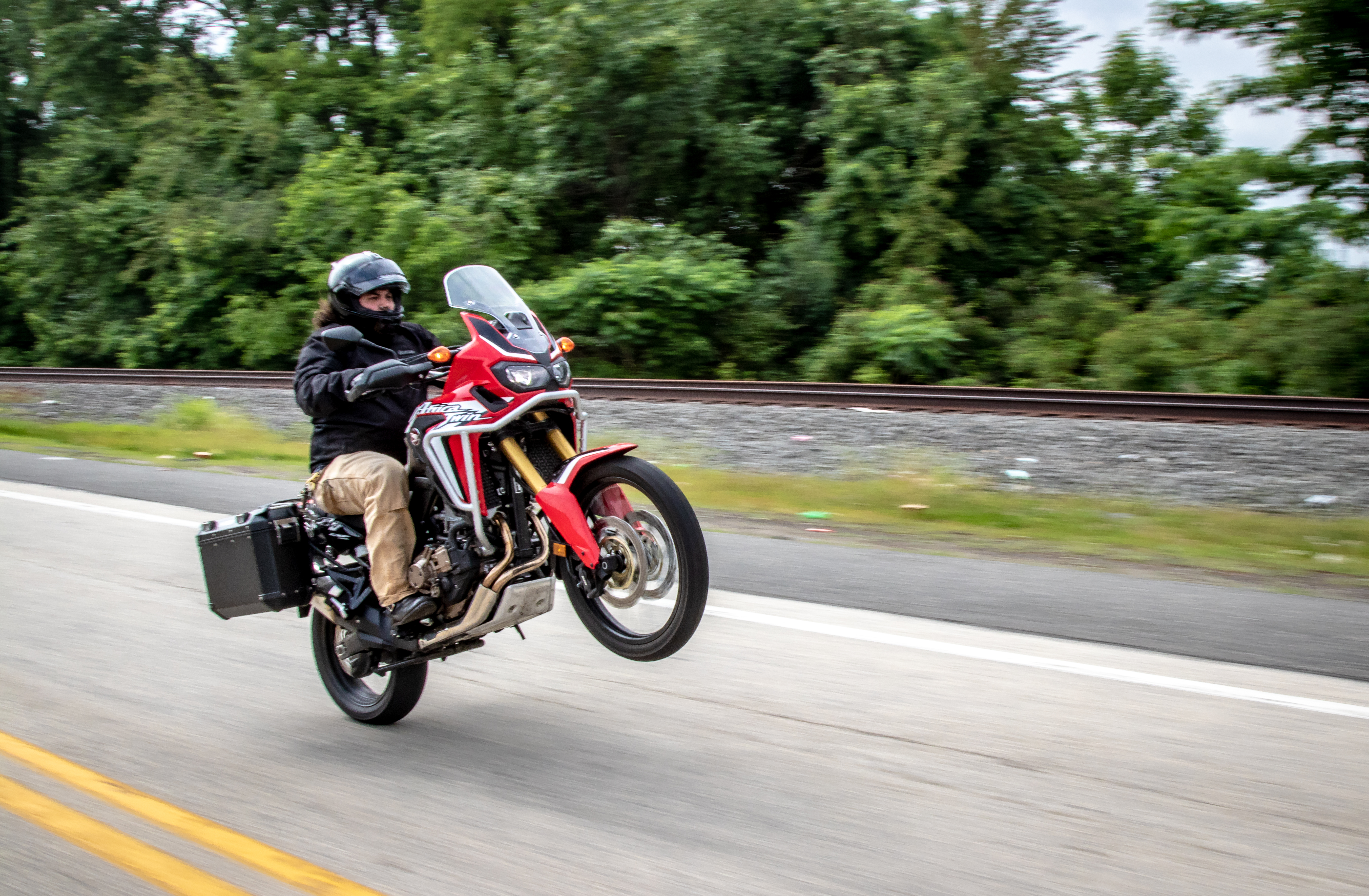 You needed to know: Honda Africa Twin DCT CRF1000L - RevZilla