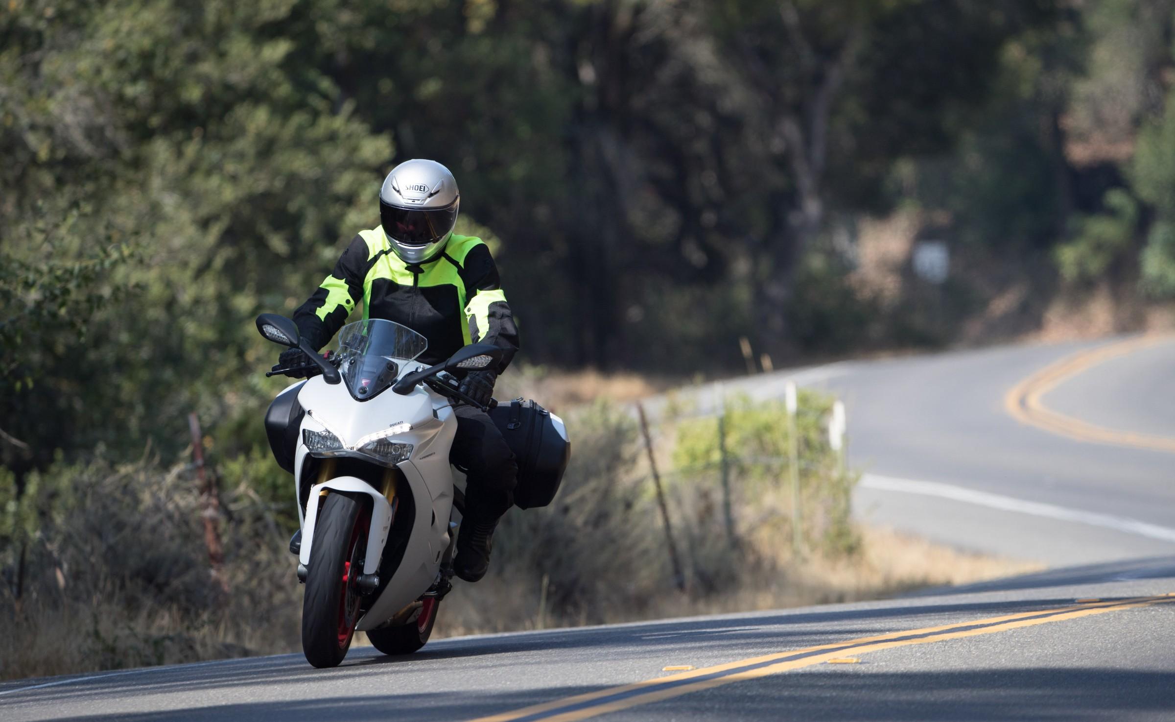 98955b2c793c 2018 Ducati SuperSport S review - RevZilla